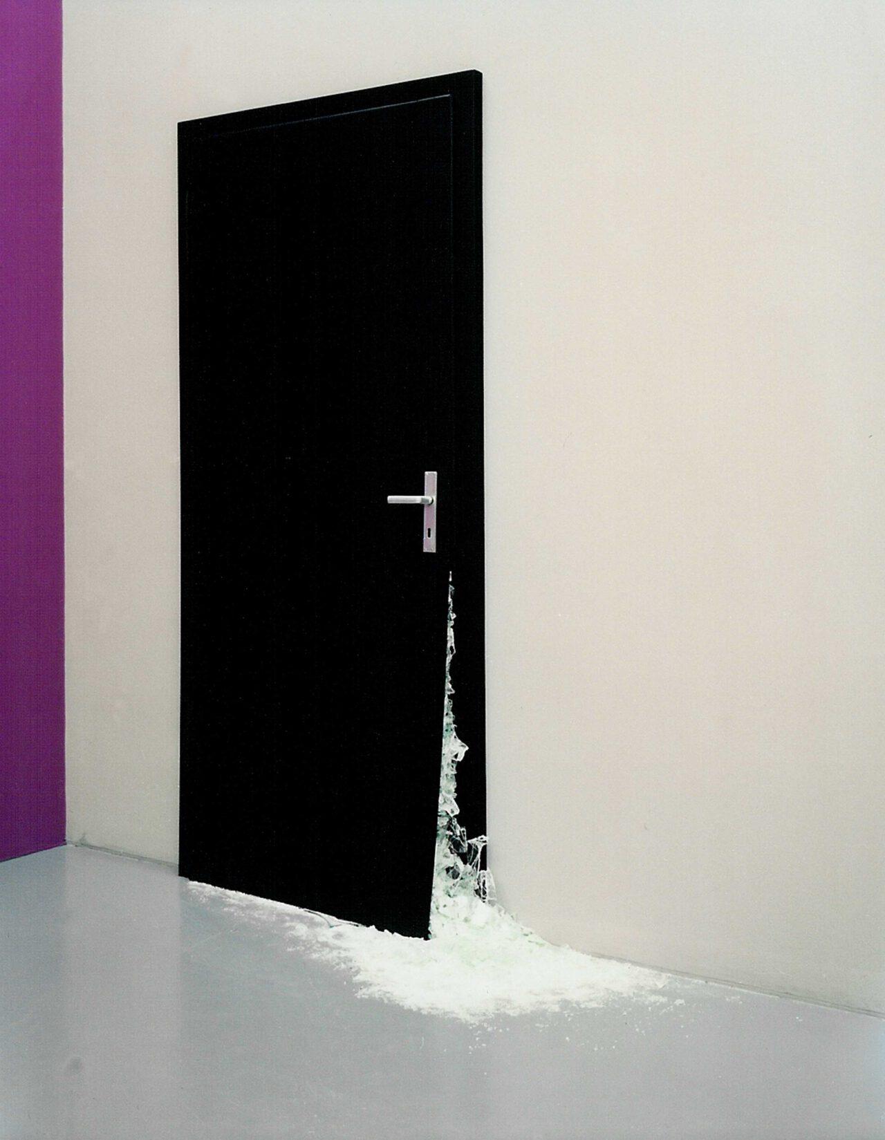 Ulrike Möschel – schwarze Tür